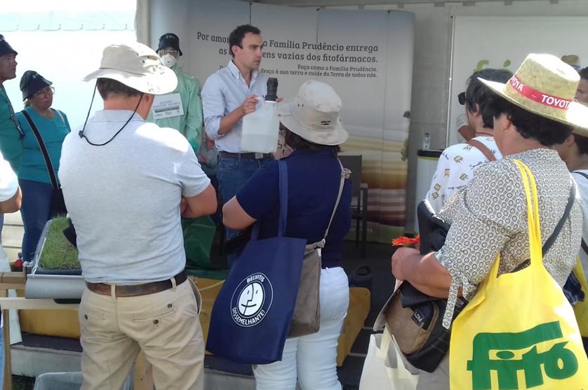 ANIPLA convida visitantes da Agroglobal para demonstração de boas práticas agrícolas.